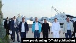 6 август куни Марказий Осиёнинг беш мамлакати етакчилари Каспий денгизи бўйидаги курортда йиғилди.