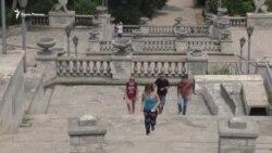 «Неточное» обещание. Когда восстановят Митридатскую лестницу? (видео)