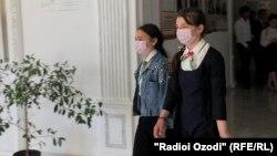 В Таджикистане вход в школе без масок воспрещен
