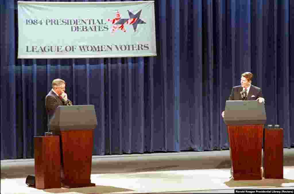 1984 год. 73-летний Рональд Рейган успешно решил проблему своего возраста во время дебатов с 56-летним демократом Уолтером Мондейлом шуткой: «Я хочу, чтобы вы знали, что я тоже не буду делать вопрос возраста препятствием этой кампании. Я не собираюсь использовать в политических целях молодость и неопытность моего оппонента». Рейган был переизбран на второй срок