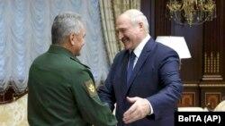 Aleksandar Lukašenko i Sergej Šojgu