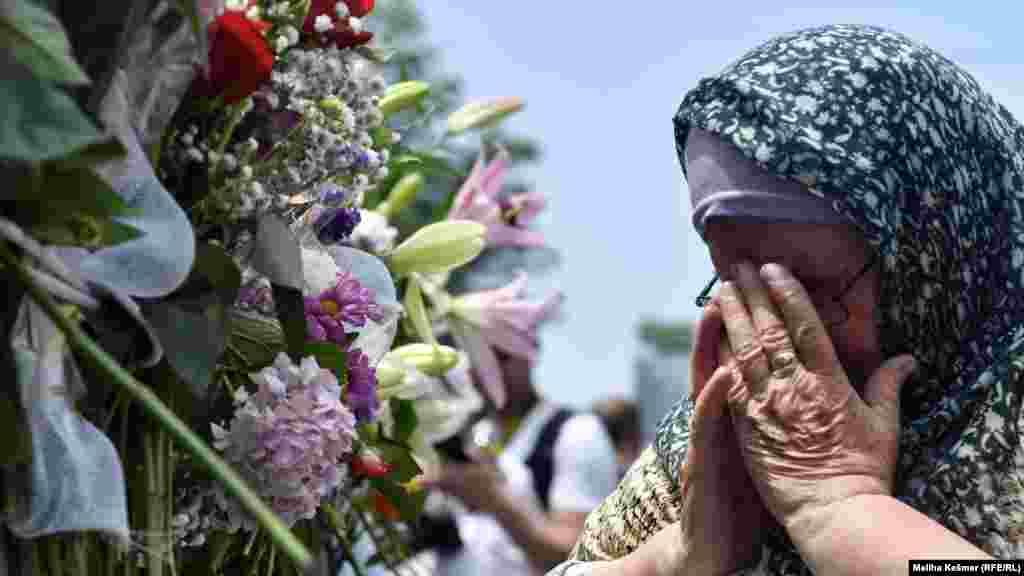 Najmlađa žrtva koja će ove godine biti ukopana je Azmir Osmanović, koji je imao 16 godina kada je ubijen, te 17-ogodišnji Fikret Kiverić.