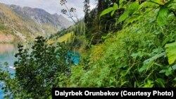 Кыргызстан. Сары-Челек көлү.