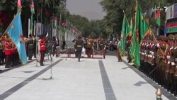 رئیس جمهور غنی در پای منار استقلال اکلیل گل گذاشت