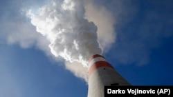 Чад од термоелектраната Косотолац во Србија.