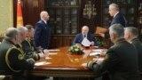 Новапрызначаныя сілавікі на сустрэчы з Лукашэнкам. Стаіць зьлева — Дзьмітры Гара