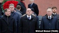 Владимир Путин и два его преемника по версии одного из российских политологов