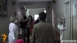 30 տարի չվերանորոգված պոլիկլինիկայում նորածինները պատվաստվում են կաթացող առաստաղով սենյակում