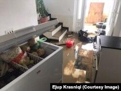 Vërshimet kanë shkaktuar dëme të mëdha në shtëpinë e tij, thotë Ejup Krasniqi nga Vushtrria.
