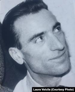 Nicolaie Voicila a börtönből való szabadulása után.