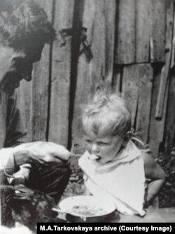 Лев Горнунг и Андрей Тарковский. Юрьевец, 1933 г.