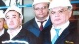 """Кабул Шодиев (оң жақта) 8 қыркүйекте қайтыс болған """"Узметкомбинат"""" басқарма төрағасы Сергей Вьюненкомен (ортада) бірге."""