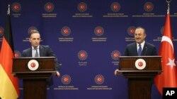 Совместная пресс-конференция глав МИД Турции и Германии - Мевлюта Чавушоглу (справа) и Хайко Мааса, Анкара, 18 января 2021 г.