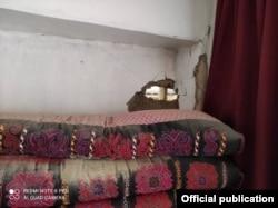 Дом, пострадавший от попадания авиаракеты. Фото ГКНБ КР.