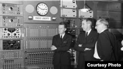 Радио Свобода. Мюнхен. На мастер-контроле. 1960-е.