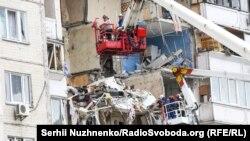 Фоторепортаж з місця вибуху у житловому будинку у Києві