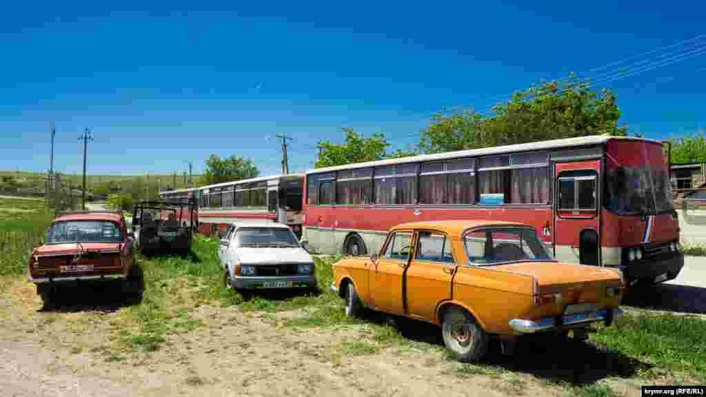 Пункт сдачи металлолома на колесах на южной окраине Белоглинки