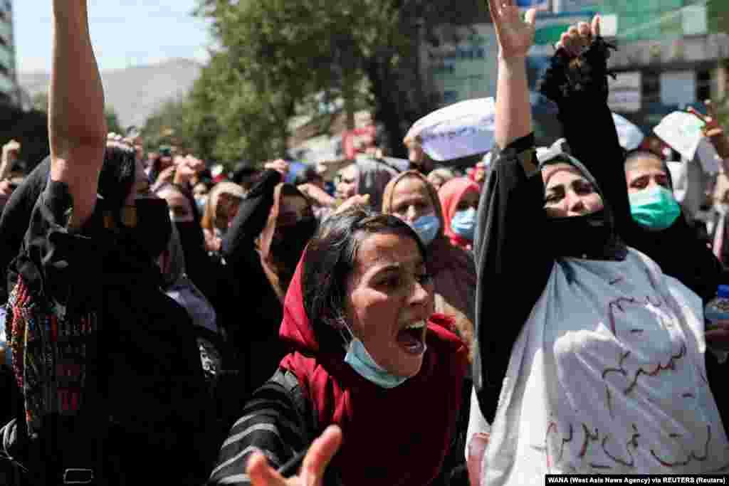 Tüntető nők Kabulban szeptember 7-én