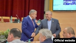 Вячеслав Ягдаров (справа) с бывшим мэром Кирова