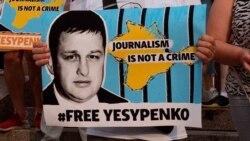 """""""Felforrt az agyam"""" – A Szabad Európa munkatársa az orosz börtönőrök kínzásairól"""
