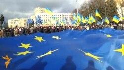 Тисячі харків'ян мітингували на підтримку Президента та уряду