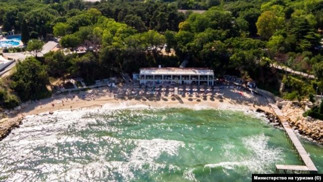 Т. нар. Малък плаж в Св. Св. Константин и Елена