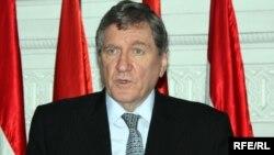 Ричард Холбрук, специальный посланник США по Афганистану и Пакистану в ходе визита в Таджикистан. Душанбе, 20 февраля 2010 года.