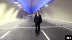 اردوغان در یک کنفرانس خبری در اظهاراتی تند، اتهامهایی به ائتلافی زده، که خود از نظر «تاکتیکی» بخشی از آن به شمار میرود