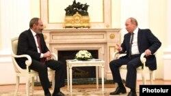 Президент России Владимир Путин встретился с премьер-министром Армении Николом Пашиняном в Кремле, Москва, 13 июня 2018 г.