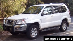 Внедорожник Toyota Land Cruiser Prado.