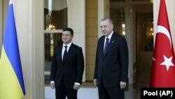 Володимир Зеленський (л) і Реджеп Тайїп Ердоган (п) під час зустрічі в Стамбулі, 16 жовтня 2020 року