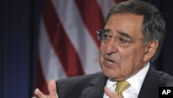 Leon Panetta urges Israel's cooperation vis-a'-vis Iran and cautions solo military op