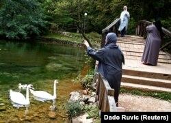 Turisti sa Bliskog istoka uživaju u ljepotama parka prirode Vrelo Bosne, Ilidža