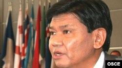 Қазақстан президентінің саяси кеңесшісі Ермұхамет Ертісбаев. 26 шілде 2007 жыл.