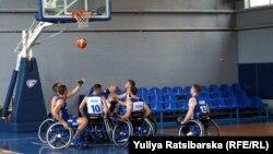 У Дніпрі провела відкрите тренування збірна України з баскетболу на візках.