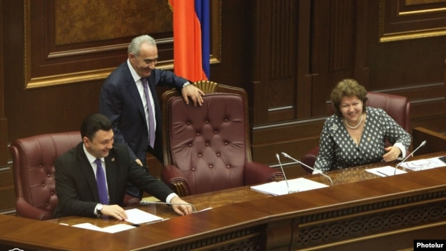 Armenia -- Galust Sahakian (C) takes over as new speaker of the National Assembly, Yerevan, 29Apr2014