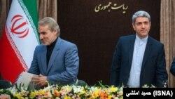 رسانههای منتقد دولت، سندی را منتشر کردهاند که نشان میدهد «پرداخت فوقالعاده خاص» با بخشنامه محمدباقر نوبخت و علی طیبنیا صورت گرفته است.