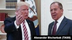 Дональд Трамп и Сергей Лавров в Овальном кабинете