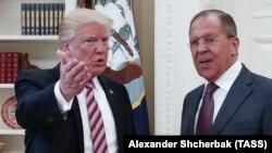 Дональд Трамп (Л) і Сергій Лавров під час зустрічі у Білому домі, Вашингтон, 10 травня 2017 року