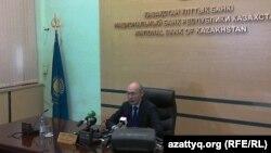 Председатель Национального банка Казахстана Кайрат Келимбетов на пресс-конференции в Алматы. 11 февраля 2014 года.