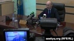 Кайрат Келимбетов, председатель Национального банка Казахстана на пресс-конференции в Алматы. 11 февраля 2014 года.