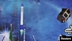 محمود احمدینژاد در مراسم رونمایی از ماهوارهها و موشکهای ماهواره بر جمهوری اسلامی