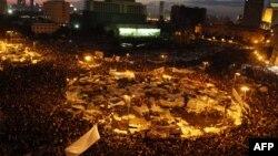 Anti-vladini protesti na Tahrir trgu u Kairu, 2011.