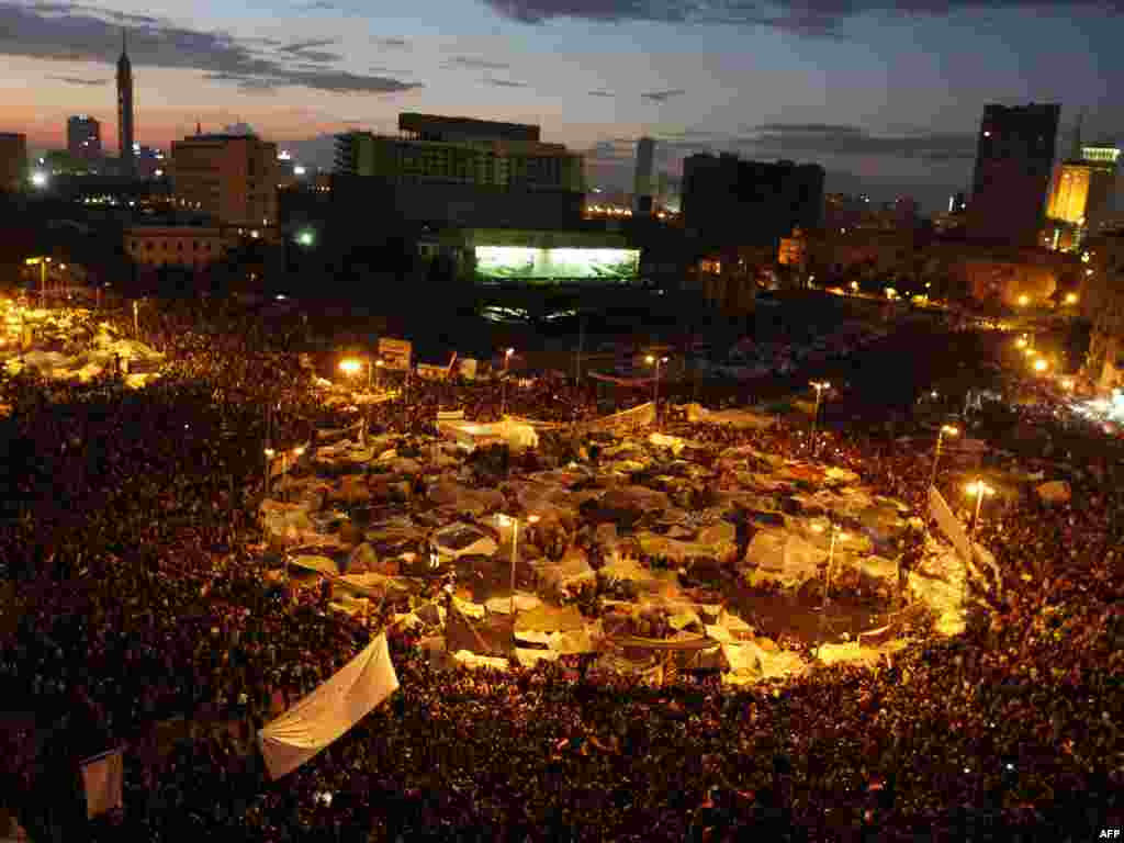 Demonstrators crowd Cairo's Tahrir Square on February 10, 2011.