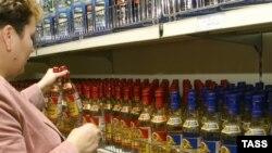 Алкоголизм - одна из причин, по которой сокращается население России.
