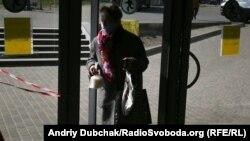 Azərbaycanda, hələlik, yaşlı insanların siyahısı hazırlanmaqdadır. Foto arxiv