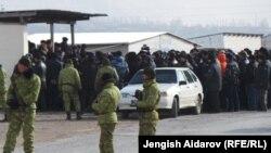 Баткен: кыргыз-тажик чегинде жол тосулууда