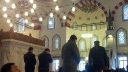 Türkmenistanda ekstremizm aýyplamalaryndan howatyrlanýan ilat agyz beklemekden saklanýar