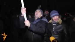 Igor Dodon şi Renato Usatîi le vorbesc protestarilor