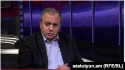 Armenia- Former Prime Minister Hrant Bagratian in Azatutyun TV's studio, Yerevan, 24Nov2014